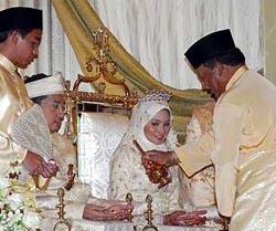 norjuma dan sultan brunei menikah