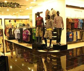 Curve clothing store. Women clothing stores