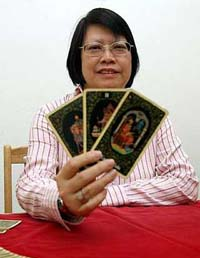 Palmist Jackie Chin.