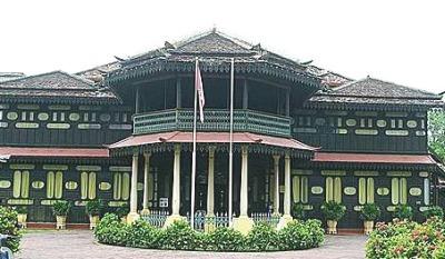 history of jahar palace Muzium adat istiadat diraja kelantan atau lebih dikenali sebagai istana jahar merupakan daya tarikan pelancong ke negeri kelantan darulnaim.
