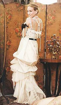 Sarah Jessica Parker's Carrie Bradshaw, in a Christian Lacroix ...