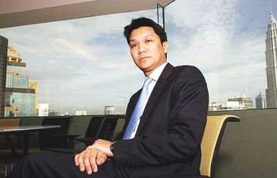 story of lim goh tong Tan sri lim's father, tan sri lim goh tong, had founded genting in 1965,   referring to his father's rags to riches story as a penniless chinese.