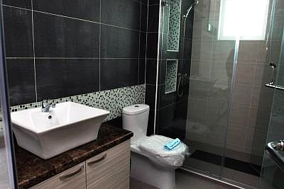 stylish design bathroom decorating ideas with clean line furnishing