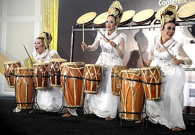 Talented: The Bandung ladies performing on the drums during a showcase.