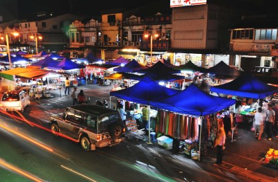 <b>A hit:</b> The night market will be relocated to Butterfly Garden next Monday.