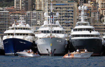 Super and mega yachts as well as 500 classified as merely luxury