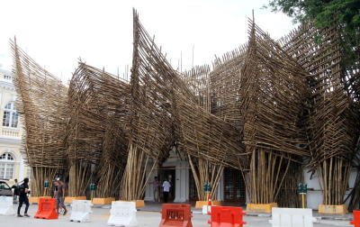 The Theatre of Ships bamboo installation by Indonesian sculptor Joko Dwi Avianto located at the Esplanade, in between Town Hall and City Hall.
